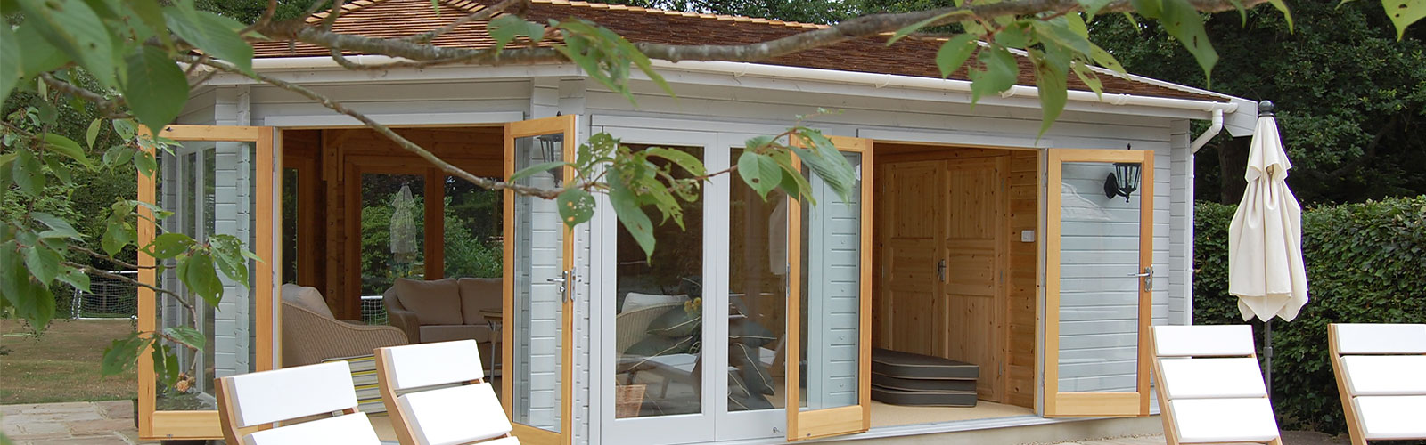 Garden and home office buildings buckland pool reigate for Garden house office